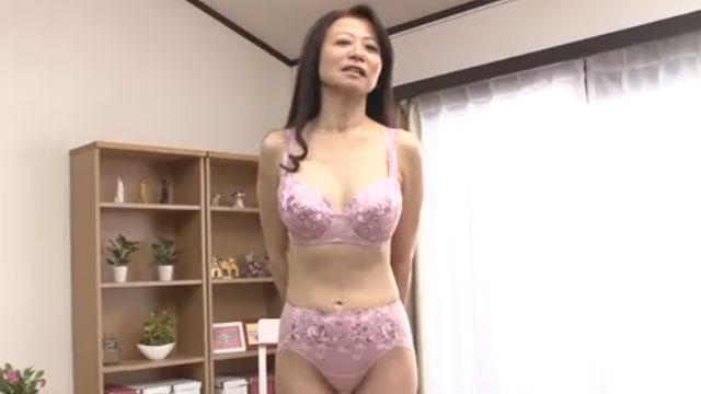 還暦熟女、夫に隠れてAVデビューし初撮りドスケベボディを披露するww 華山美智