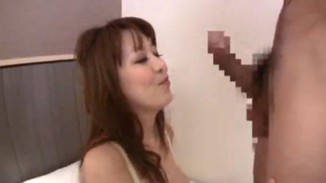 「らめぇイクッ!」セレブ妻さん、デカイチンポにニコニコでガン突きされ中出し絶頂